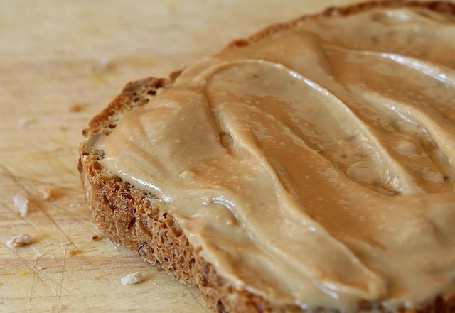 Burro di arachidi: un superfood per ciclisti e sportivi in generale